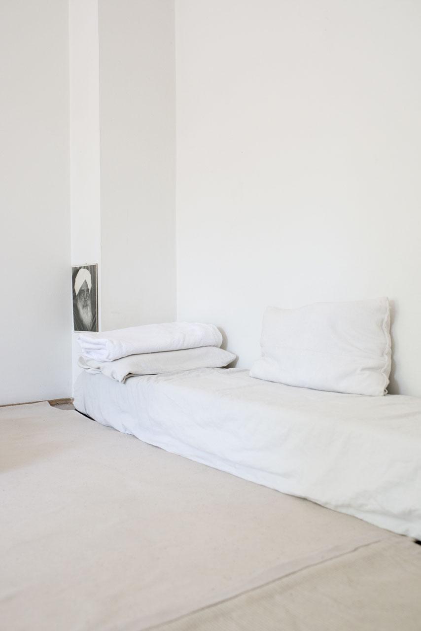 Rainer Langhans bed