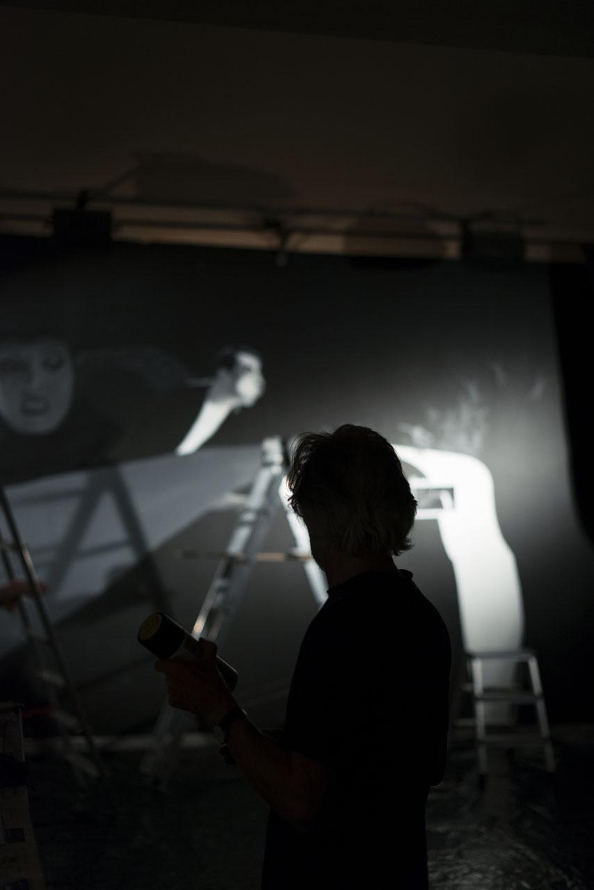 13 Klaus Voormann Theaterleinwand Prag